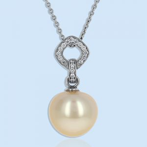 Pearl Pendants and Necklaces